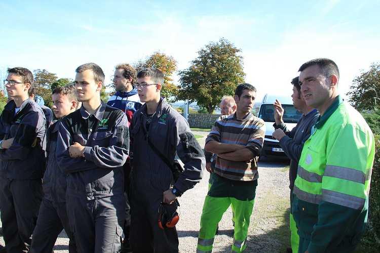 Projet et partenariat entre Langueux et Saint-Ilan 171004nettoyagecimetierestilan14